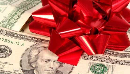 The Secret to Protecting Your Credit During the Holiday Shopping Season :: Mint.com/blog