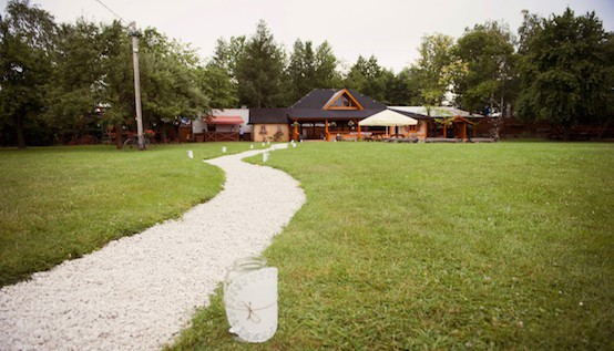 Savvy Ways to Slash the Cost of Your Wedding Venue :: Mint.com/blog