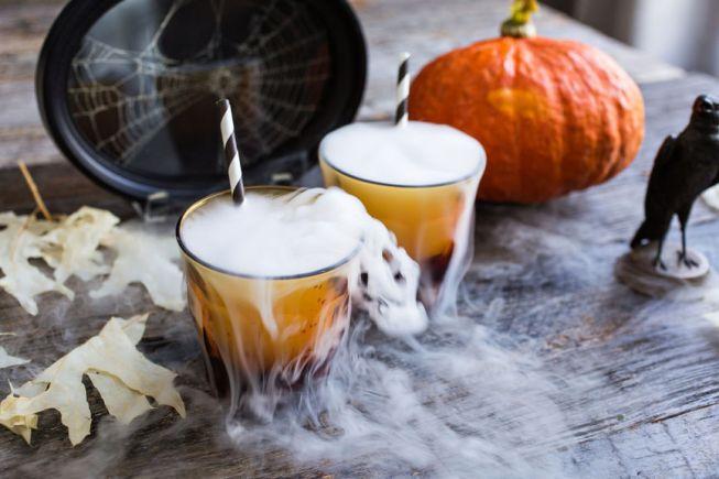 10 Ways to Save on Halloween Decorations
