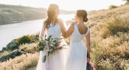 Wedding Planning for LGBT Couples – 5 Things to Consider Before 'I Do'