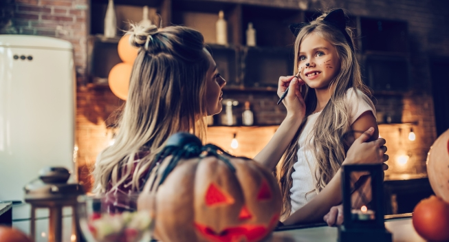 Happy,Halloween!,Attractive,Young,Woman,With,Her,Little,Cute,Daughter