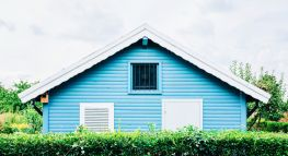 Downsizing? Here Are The Pros And Cons You'll Need To Consider