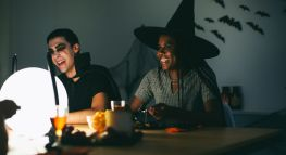 Spooktacular Ways to Save on an Epic Halloween Party