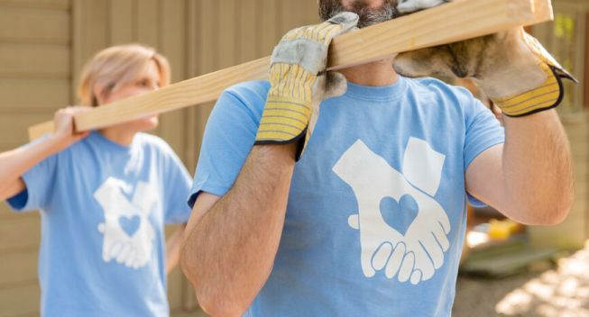 4 Ways You'll Benefit By Giving Back