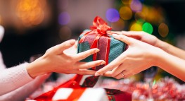 STUDY: 61% of Americans Want Cash for Christmas, But Don't Want to Give It