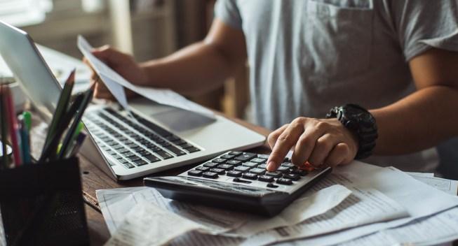 does-refinancing-hurt-your-credit-hero