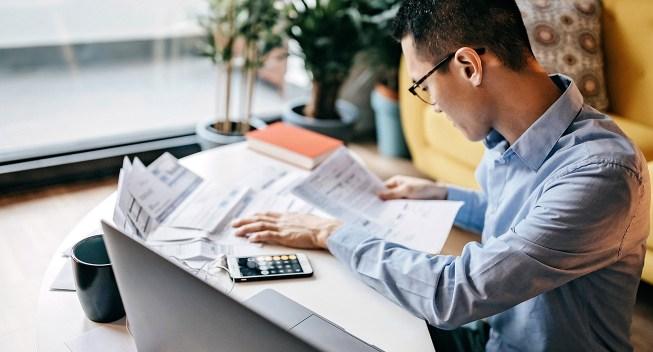 reviewing-finances