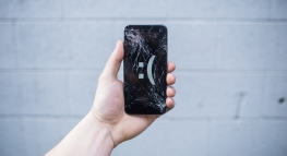 5 Cards That Will Pay for Your Cell Phone if (When?) You Break It
