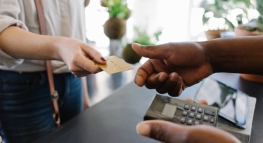 How To Manage Your First Credit Card