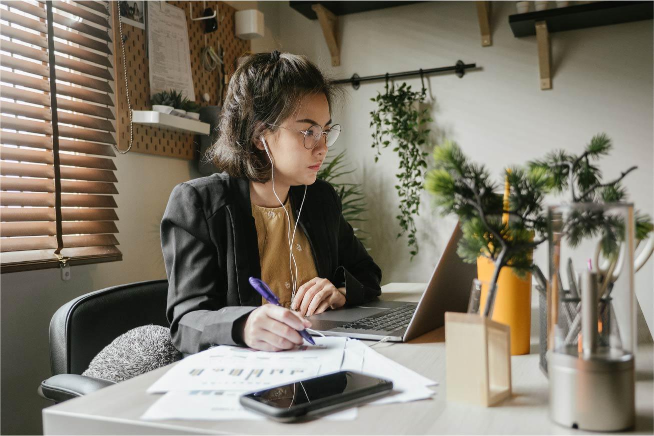 inspirational-female-career-podcasts