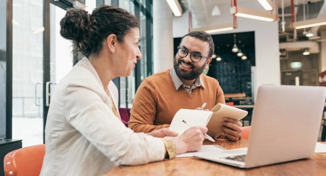 mentor-mentee-business-office-teaching-strategy